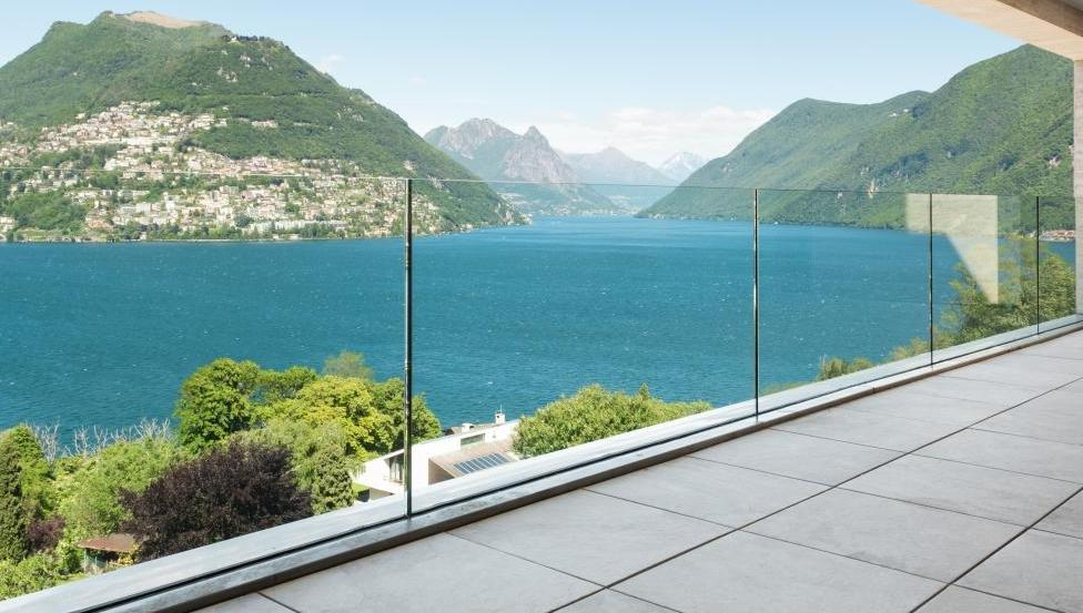 Railing, balustrade of leuning in glas van Logli Massimo | Saint-Gobain Building Glass