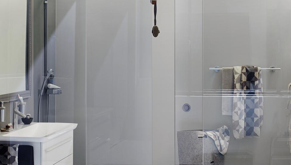 PRIVA-LITE schuifdeuren voor een optimale privacy in je badkamer of hotelkamer