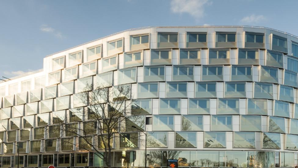 Quai Ouest | Gebogenes Verbundssicherheitsglas | Saint-Gobain Building Glass