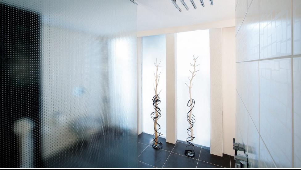 Glazen wanden met SGG MASTERGLASS | Design figuurglas voor alle toepassingen